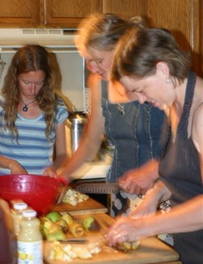 cropped-lori-casey-amie-making-pear-butter.jpg